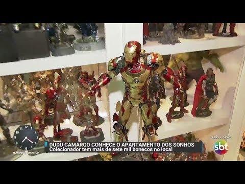 Dudu Camargo visita colecionador de brinquedos no Dia das Crianças   Primeiro Impacto (12/10/17)