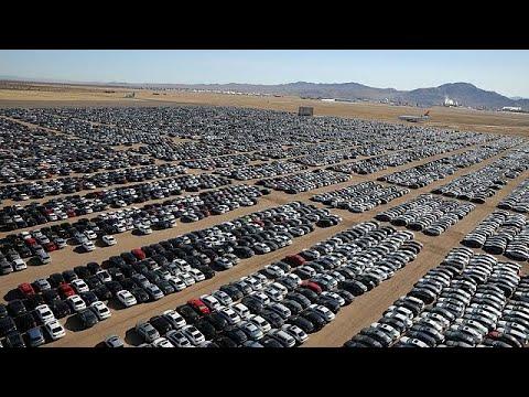 Volkswagen 'graveyard' packs thousands of diesel cars - YouTube