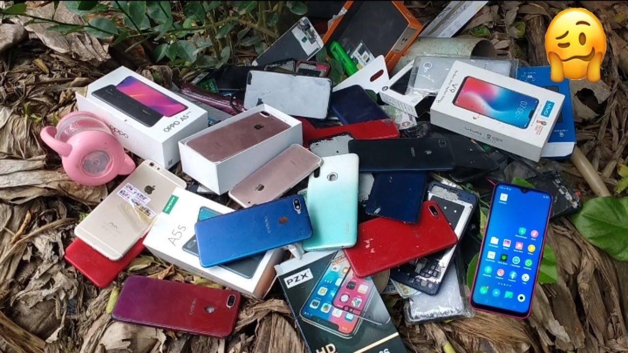 Download Surprised to see so many phones thrown away    Restore a broken phone