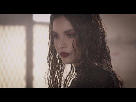Смотреть клип Sabrina Claudio - Take One To The Head