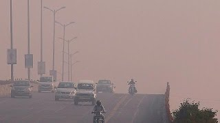 Protesters highlight New Delhi's soaring air pollution ahead of COP22 - world