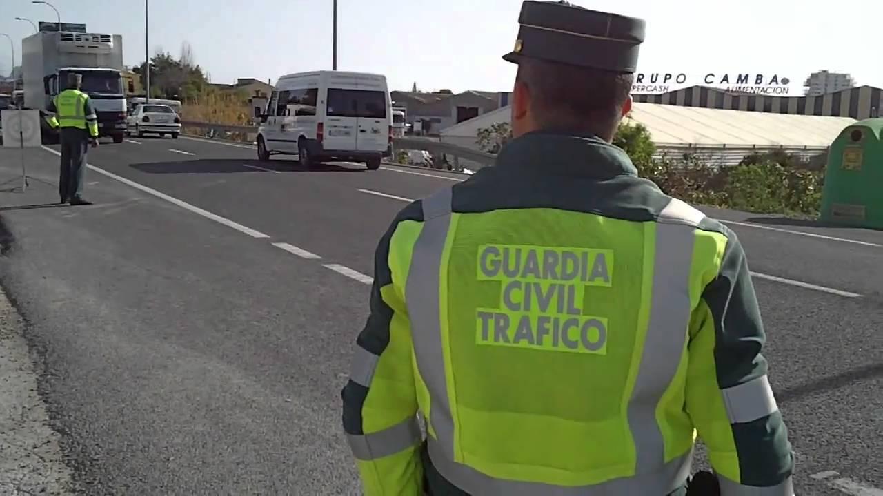 Control guardia civil tr fico youtube - Guardia civil trafico zaragoza ...