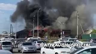 В Атырау полностью сгорело кафе-2
