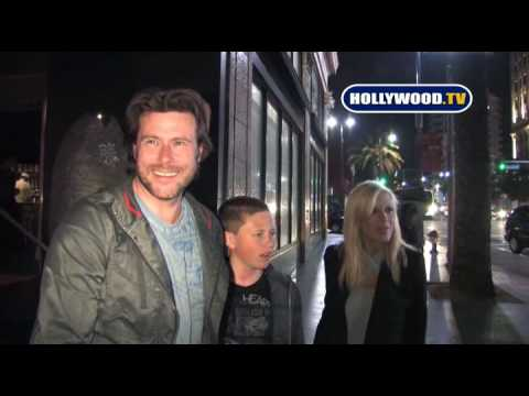 Tori Spelling & Dean McDermott Are Flattered To Do A Duet With Rihanna