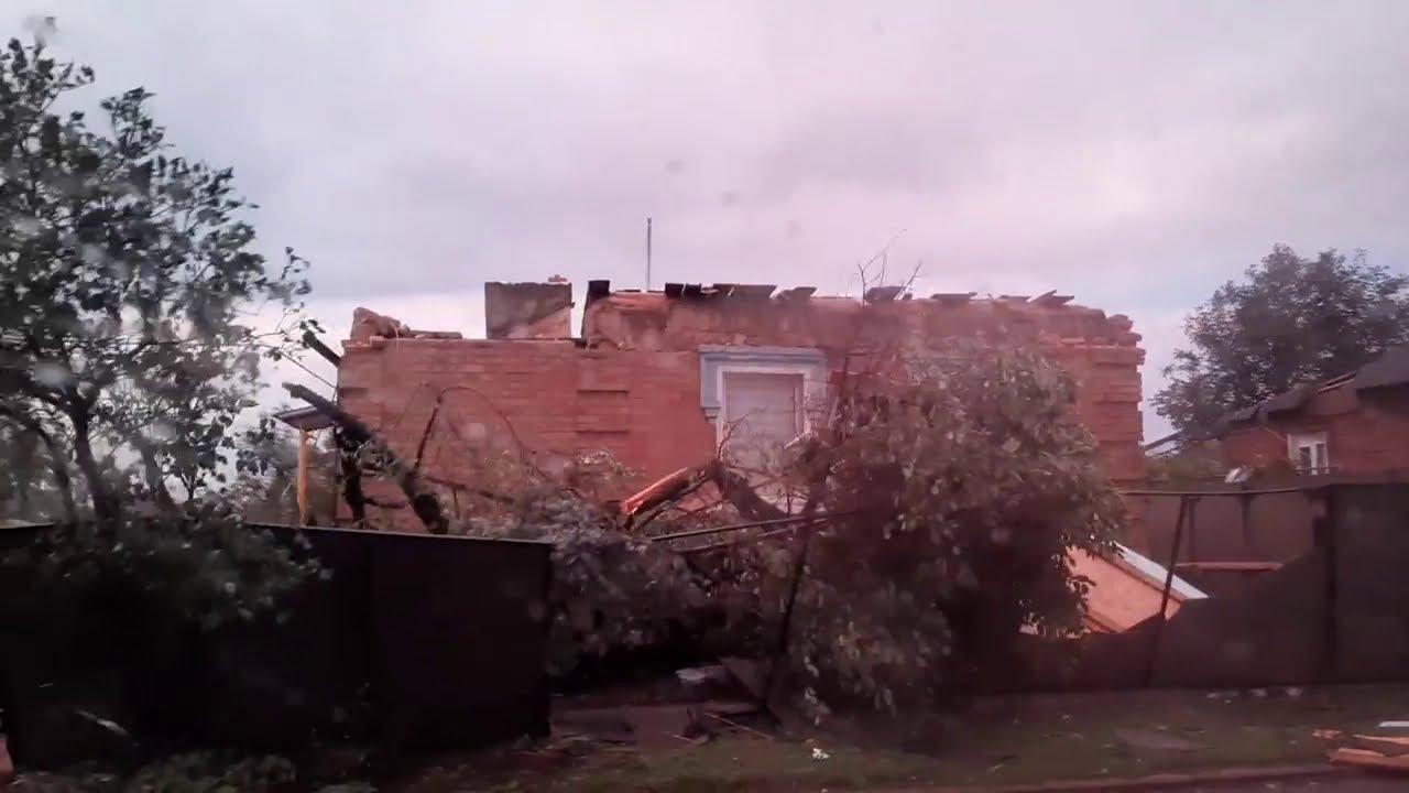 В Кропивницькому негода знесла дахи та зруйнувала будинки