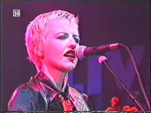 The Cranberries Sunday live, munich, germany 1994