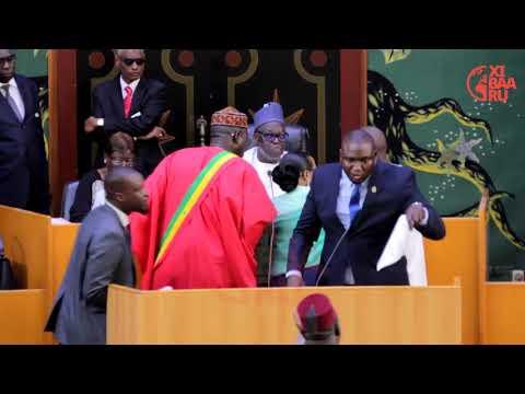 Loi parrainage, bagarre à l'Assemblée Nationale