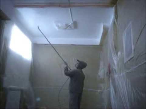 Покраска потолка водоэмульсионной краской VAKSA.