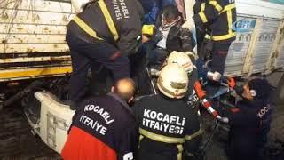 Kocaeli'de kamyon TIR'a arkadan çarptı: 1 yaralı