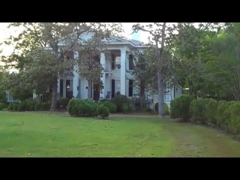 Abbeville,SC.Video of the beautiful historic town.Spring 2011