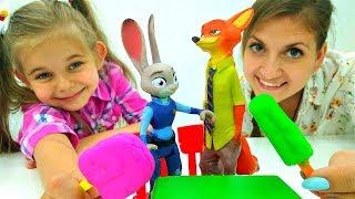видео Видео для детей. Игрушки для мальчиков. Человек Паук против Фенга.
