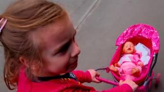Режем Беби Бон? Прогулка в Коляске Baby Born в Супермаркете и на Детской площадке Видео для детей