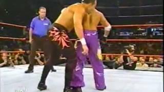 Chavo Guerrero vs Rey Mysterio