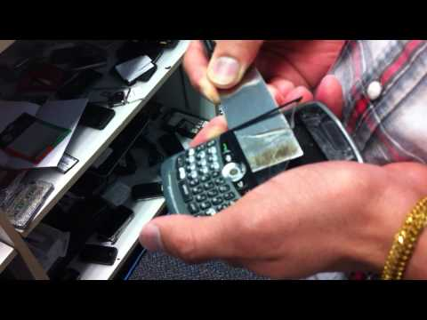 How to Replace Cacked Screen from Blackberry Curve 8300 8330 - Cyberion Cell Phone Repairs (Part 1)