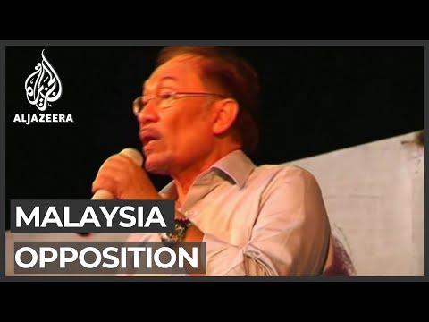 Malaysia's Anwar Ibrahim seeks to replace PM