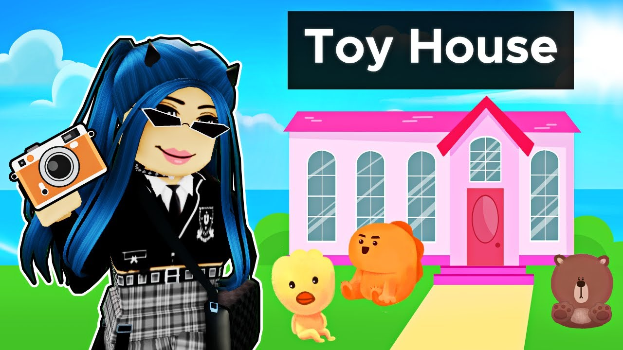 Playing in a Roblox TOY House!