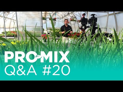 Which certified organic growing media does Premier Tech Horticulture offer?
