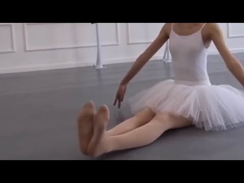 (HD)芭蕾勾繃腳練習(白丝) Asian ballet girls feet practice (ballet tights and ballet foot)