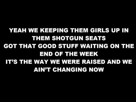 Jason Aldean - Keeping It Small Town ( Lyrics)