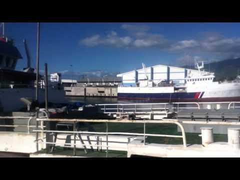 Le Croix du Sud,Port aux Français:visite au Port Ouest.