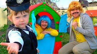 Играем в Полицейского Мама Папа и Тася