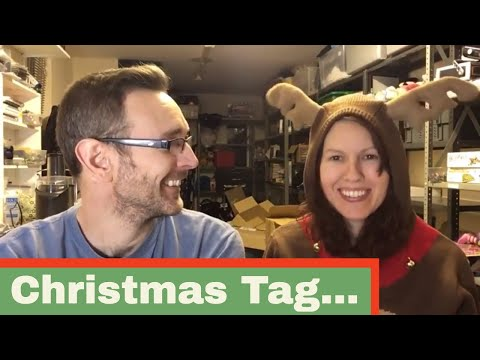 Christmas Tag - We answer 11 questions about Christmas...