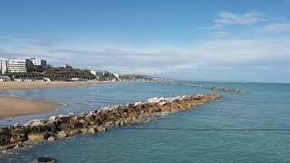 Termoli: spiaggia e mare deserti nell'ultima domenica di settembre