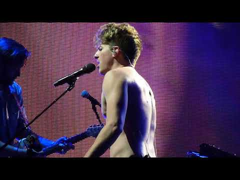 Charlie Puth - One Call Away (2018 Voicenotes Tour w/ Hailee Steinfeld - Boston, MA)