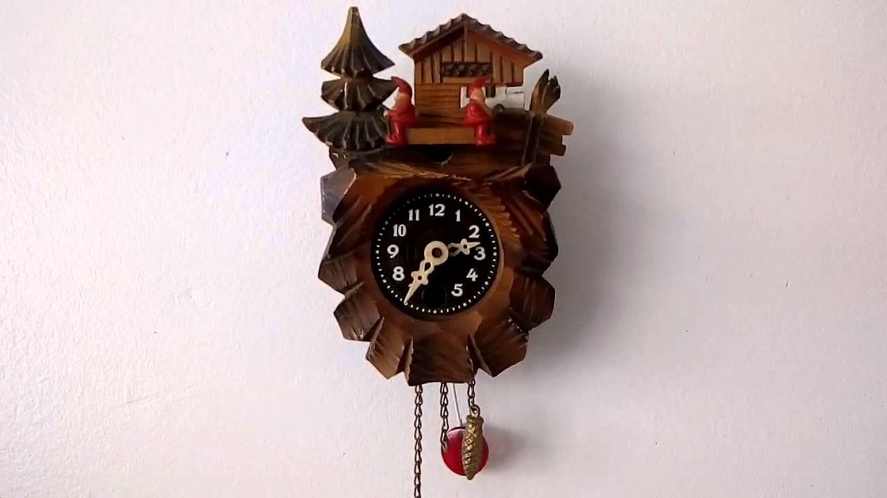 horloge coucou miniature mini cuckoo clock youtube. Black Bedroom Furniture Sets. Home Design Ideas