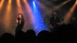 Melissa Auf Der Maur - Meet Me on the Dark Side [live]