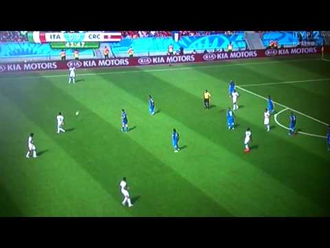 Amazing Goal Bryan Ruiz Costa Rica vs Italy 1-0