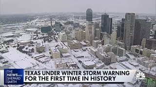 Texas is under wiฑter storm warning for first time in history