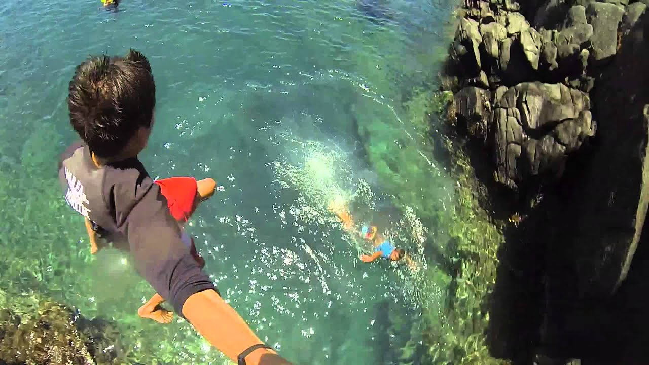 Cliff Jumping in Hawaii ™ (Cliff House) - GoPro Hero 3 ...