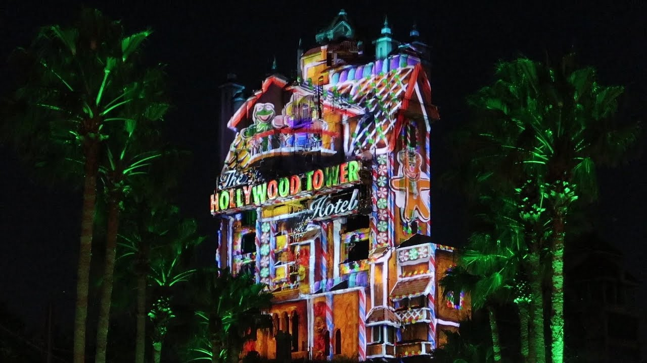 christmas-things-at-disney-s-hollywood-studios-holiday-projection-show-fireworks-more