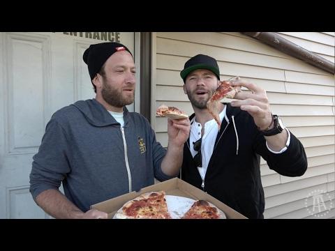 Barstool Pizza Review - Santarpio