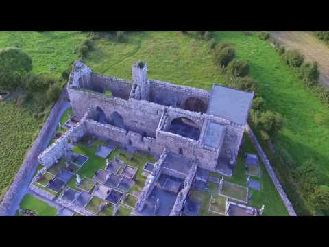 Wild Atlantic Way - Corcomroe Abbey