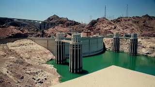 Constructing the Hoover Dam