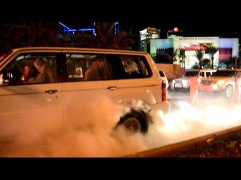 Qatar National Day Burnouts 2012 - استعراض في يوم الوطني