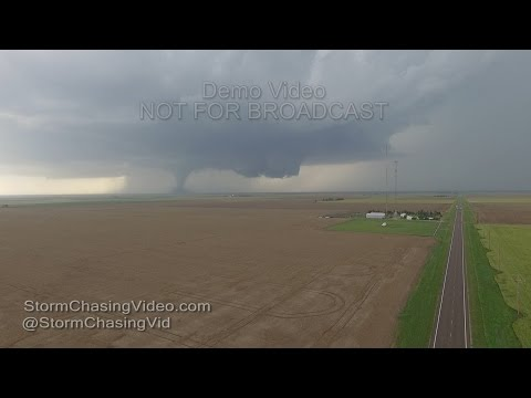5/24/2016 Brian Barnes video of the Dodge City KS Tornado Outbreak