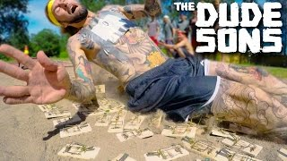 Download Video Mouse Trap Long Jump Challenge - The Dudesons MP3 3GP MP4