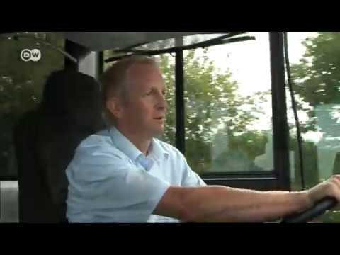 Смотреть В Германии выпустили самый длинный в мире автобус онлайн