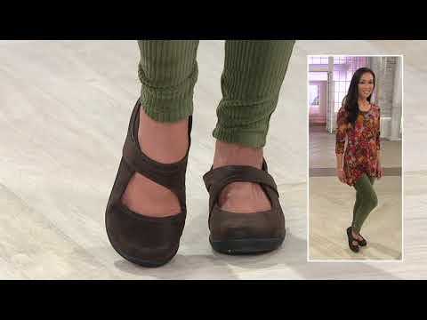 Clarks Cloud Steppers Adjustable Mary Janes - Sillian Bella On QVC