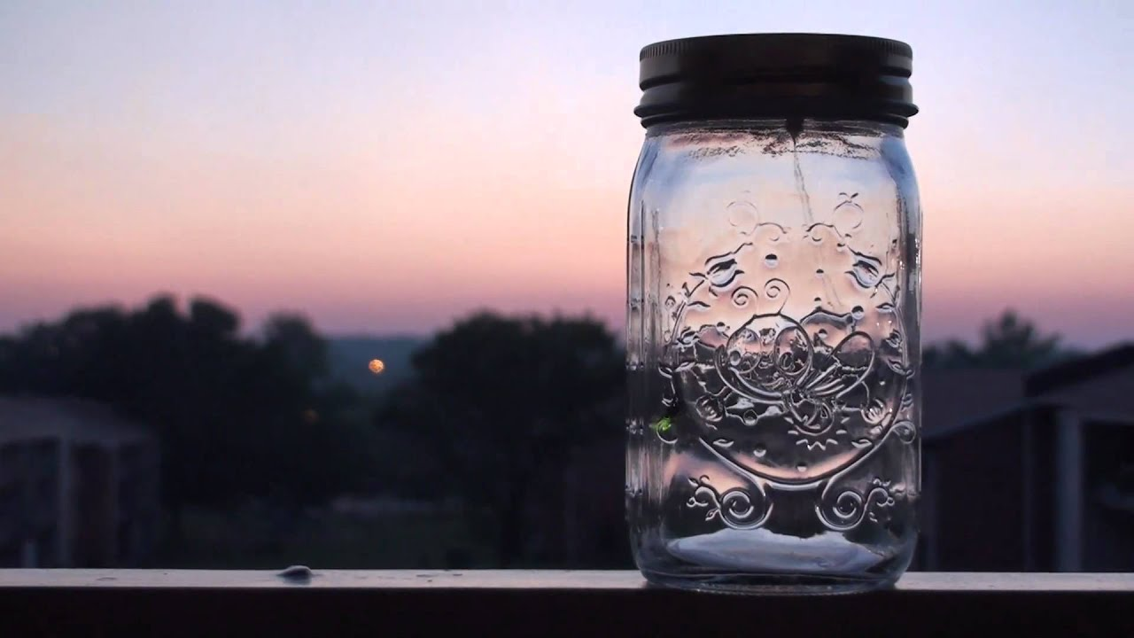 electronic firefly in a jar from thinkgeek youtube. Black Bedroom Furniture Sets. Home Design Ideas