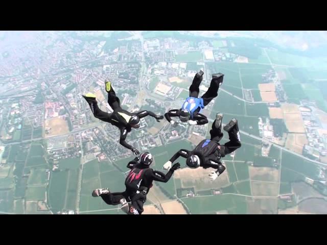 Skydiving con Standby Team | Tekima