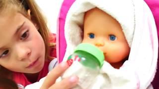 Дочки матери: играем вместе с куклами для девочек! Купание пупса