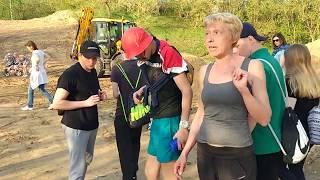 Смотреть видео 05.05.2018 Происшествие в Кунцево - Женщина провалилась под землю онлайн