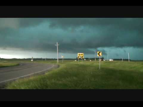 Tornado Warned Supercell near Grand Forks, North Dakota: June 26th, 2009