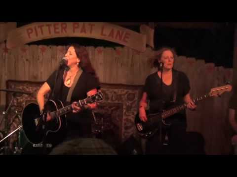 Shelley King Band ~Song on the Radio~ LIVE IN AUSTIN TEXAS at the Pitter Pat Party