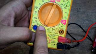 How to use a Multimeter for beginners / Multimeter tutorial