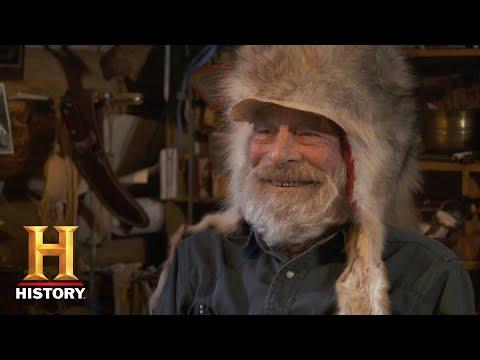 Mountain Men: Tom and Nancy Craft Coyote Hats (Season 9) | History